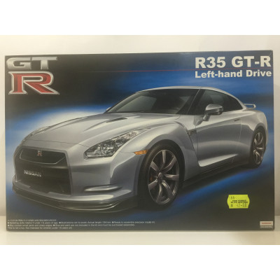 AOSHIMA, Nissan R35 GT-R Left-hand Drive, SCALE 1:24, PLASTIC CAR, 044629