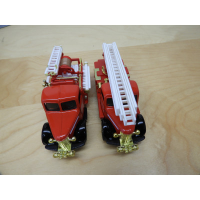 Classic Emergency, Die-Cast Metal 2 FIRE ENGINES