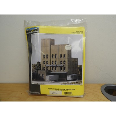 DPM, TERA SURPLUS WINDOW WAREHOUSE, HO SCALE, ITEM NO: 35500