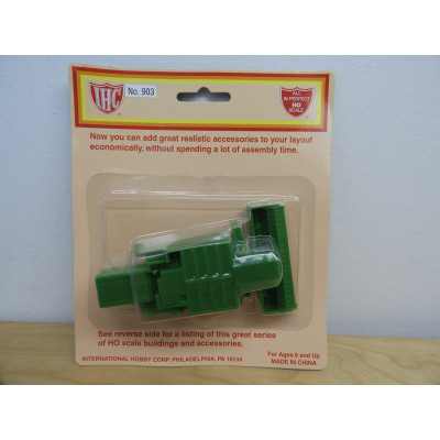 IHC, Harvester, HO Scale, PLASTIC HARVESTER, No. 903