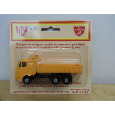 IHC, Large Open Bed Dump Truck, HO Scale, Plastic Truck, No. 913