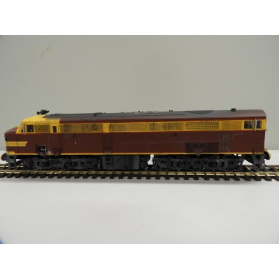 TrainOrama, 44 Class Locomotive , HO Scale, ORIGINAL INDIAN RED - with Single Marker Light, 4401 Early era - Weathered