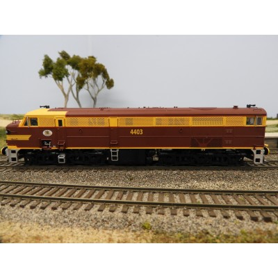 """LATEST RELEASE"" TrainOrama, 44 Class Locomotive , HO Scale, ORIGINAL INDIAN RED - with Double Marker Light, 4403"
